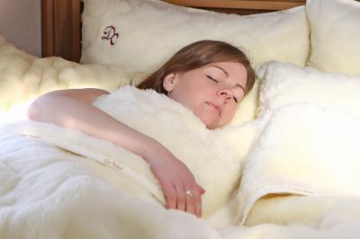 Schlafen angenehm in reiner Wolle
